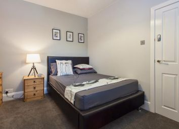 Thumbnail Room to rent in Grosvenor Road, Rugby, Warwickshire