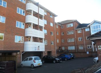Thumbnail 3 bedroom flat to rent in Kings Oak Court, Reading