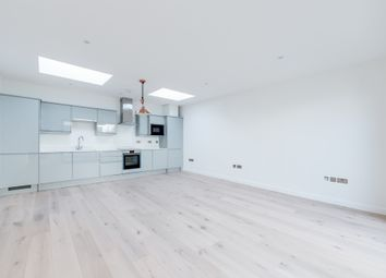2 bed town house to rent in Willow Mews, London W12