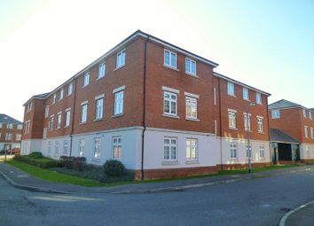 Thumbnail 2 bedroom flat to rent in Salisbury Close, Rayleigh