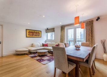 2 bed flat to rent in Pepper Street, Canary Wharf, London E14