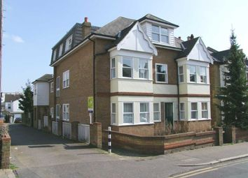 Thumbnail 2 bed flat to rent in Avenue Road, Leigh-On-Sea