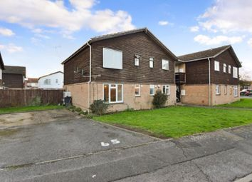 Thumbnail Flat to rent in Holmedale, Slough