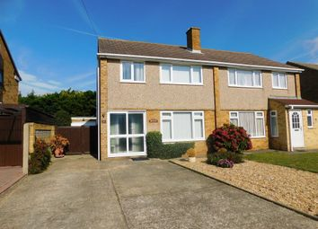 Thumbnail 3 bed cottage for sale in Carisbrooke Avenue, Hill Head, Fareham
