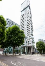 Thumbnail 1 bed flat to rent in 6 Lincoln Plaza, Canary Wharf