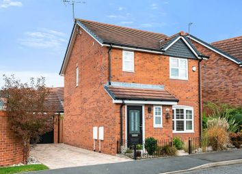 Thumbnail 3 bed detached house for sale in Cleveland Road, Leyland