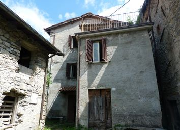 Thumbnail 3 bed country house for sale in Castelnuovo di Garfagnana, Castelnuovo di Garfagnana, Lucca, Tuscany, Italy