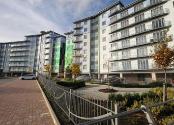2 bed flat to rent in Wave Close, Walsall WS2