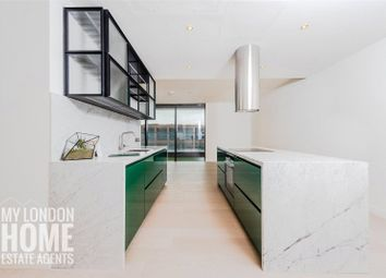 The Wardian, East Tower, Marsh Wall, Canary Wharf E14. 2 bed flat for sale