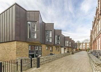 Thumbnail 2 bed flat for sale in Morton Road, London