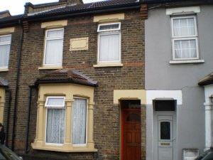 Thumbnail Studio to rent in Ley Street, Ilford