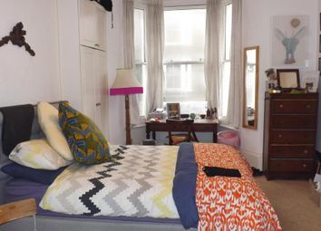 Thumbnail 1 bed flat to rent in Offley Road, London