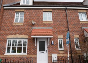 4 bed town house for sale in Saddlecote Close, Manchester M8
