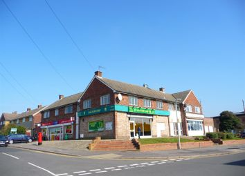 Thumbnail 3 bedroom flat to rent in Avon Way, Newbury