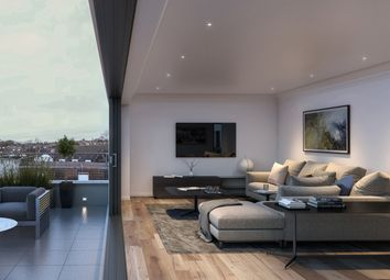 Thumbnail 3 bed flat for sale in Brent Street, London