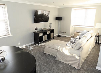 2 bed flat to rent in Grammar School Yard, Fish Street, Hull HU1