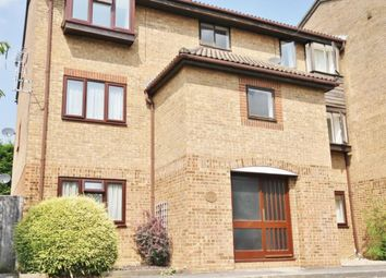 Thumbnail 1 bed flat to rent in Quincy Road, Egham
