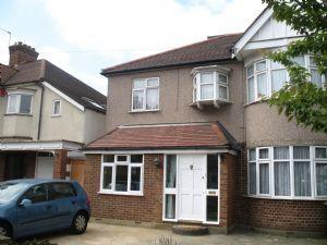 Thumbnail Studio to rent in Streatfield Road, Kenton, Middlesex
