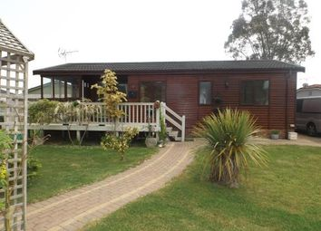 Thumbnail Mobile/park home for sale in Battlesbridge, Wickford, Essex