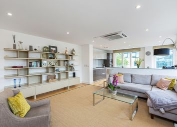Thumbnail 2 bedroom flat to rent in Westking Place, London