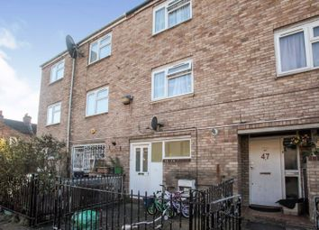 3 bed property for sale in Redwald Road, London E5