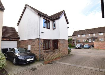 Thumbnail 3 bed detached house for sale in Kilnfield, Ongar, Essex