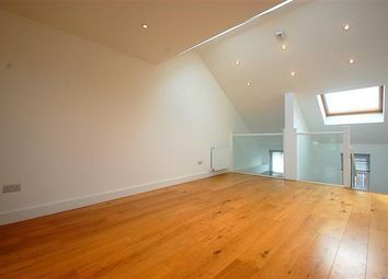 Thumbnail 2 bedroom town house to rent in Effra Road, London