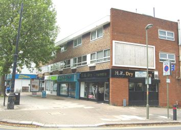 Thumbnail 2 bed flat to rent in Hertford Court, East Finchley High Road