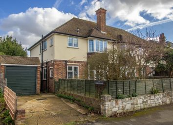 Thumbnail 2 bedroom flat to rent in Gordon Road, Claygate, Esher