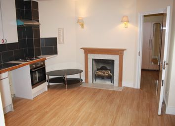 Thumbnail 2 bed flat to rent in Battersea Rise, Battersea