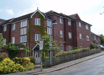 Thumbnail 2 bedroom flat to rent in Pembury Road, Tonbridge