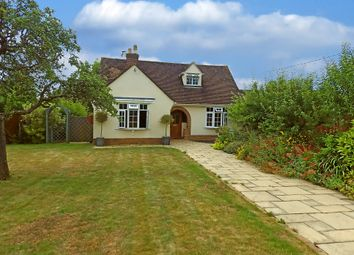 Thumbnail 4 bed detached house to rent in The Crescent, Witney, Oxfordshire