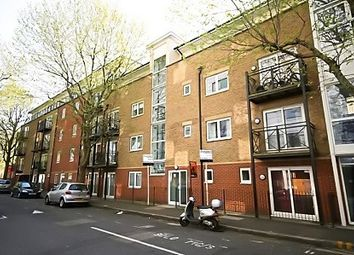 Thumbnail 2 bed flat to rent in Alscot Road, London Bridge