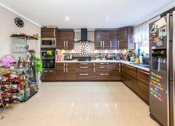 Thumbnail 2 bed flat for sale in Thornton Close, Horley