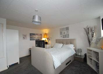 Thumbnail 2 bed flat to rent in Shawsway, Bath