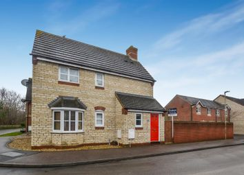 3 bed semi-detached house for sale in Vervain Close, Bicester OX26