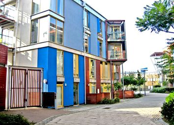 Thumbnail 2 bed flat for sale in Kilby Court, Greenwich
