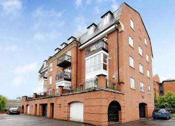 2 bed flat to rent in Bear Wharf, Fobney Street, Reading RG1