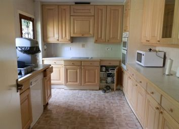 Thumbnail 5 bedroom property to rent in Oundle Drive, Wollaton, Nottingham