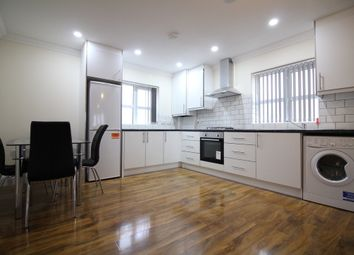Thumbnail 2 bed flat to rent in Long Lane, Staines