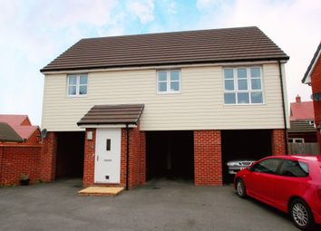 2 bed property for sale in Newton Avenue, Berryfields, Aylesbury HP18