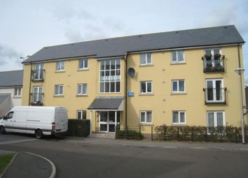 2 bed flat to rent in Tovey Crescent, Manadon, Plymouth, Devon PL5