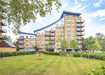 2 bed flat for sale in Luscinia View, Reading RG1