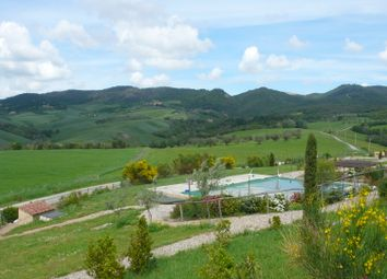 Thumbnail 1 bed apartment for sale in Between San Gimignano And Volterra, Gambassi Terme, Florence, Tuscany, Italy