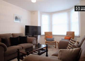 Thumbnail 2 bed property to rent in Kennington Oval, London