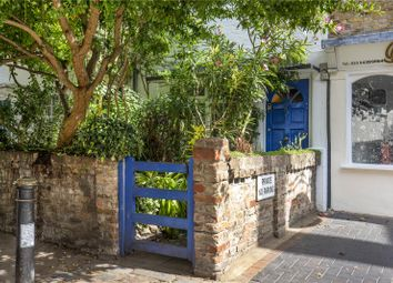 Waterloo Place, Richmond, Surrey TW9. 2 bed terraced house for sale