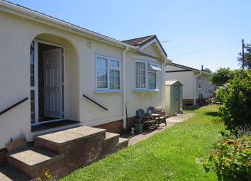 Thumbnail 2 bed mobile/park home for sale in Toads Acre, Longstanton, Cambridge