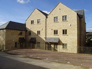 Thumbnail 1 bed flat to rent in Churchill Road, Chipping Norton