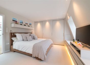 Pindock Mews, Little Venice, London W9. 4 bed mews house