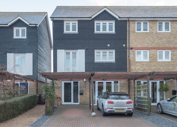 4 bed end terrace house for sale in Waterside Close, Faversham, Kent ME13